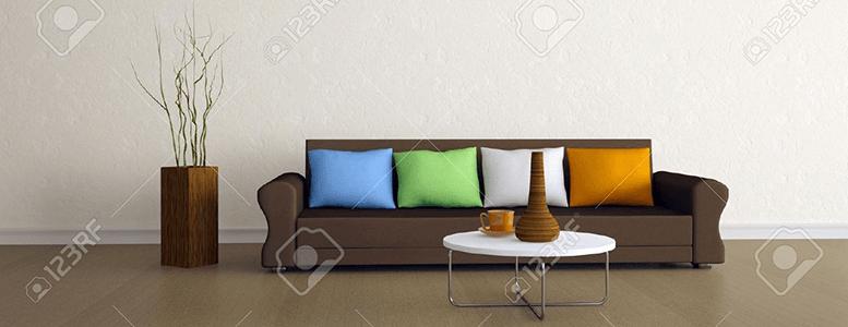 12910969-Il-divano-marrone-con-quattro-cuscini-colorati ...